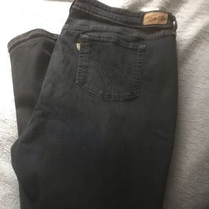 Women's plus sized skinny jeans by Levi's